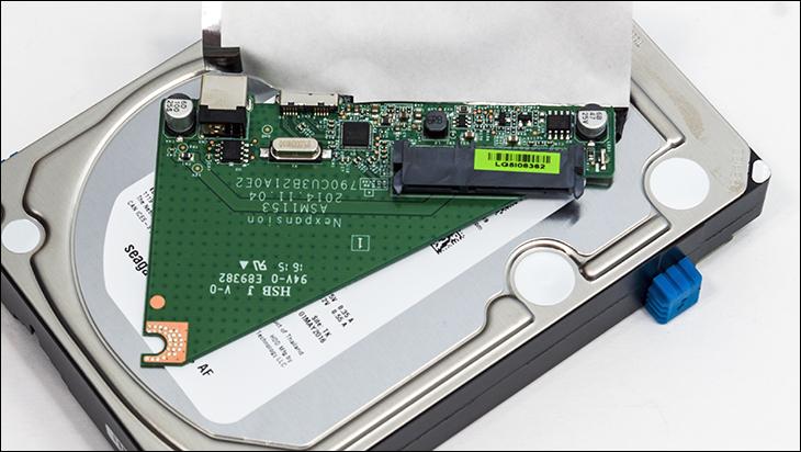 seagate desktop expansion 8TB pcb1 - Seagate Desktop Expansion 8TB Review