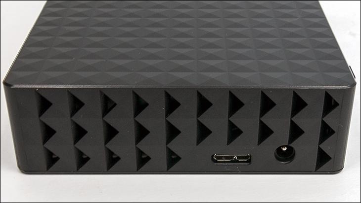 seagate desktop expansion 8TB ports - Seagate Desktop Expansion 8TB Review