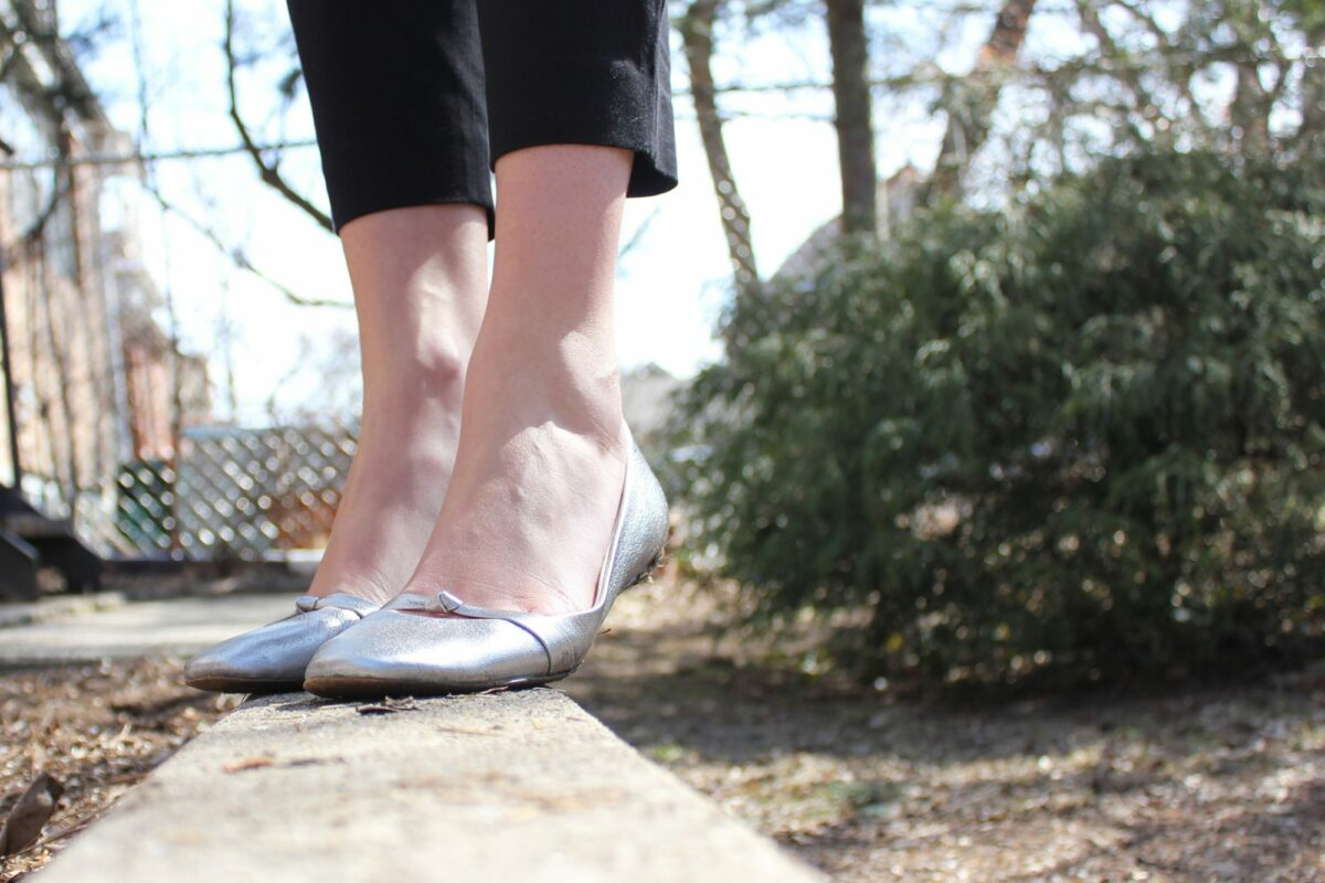 Style Bee in Silver shoes