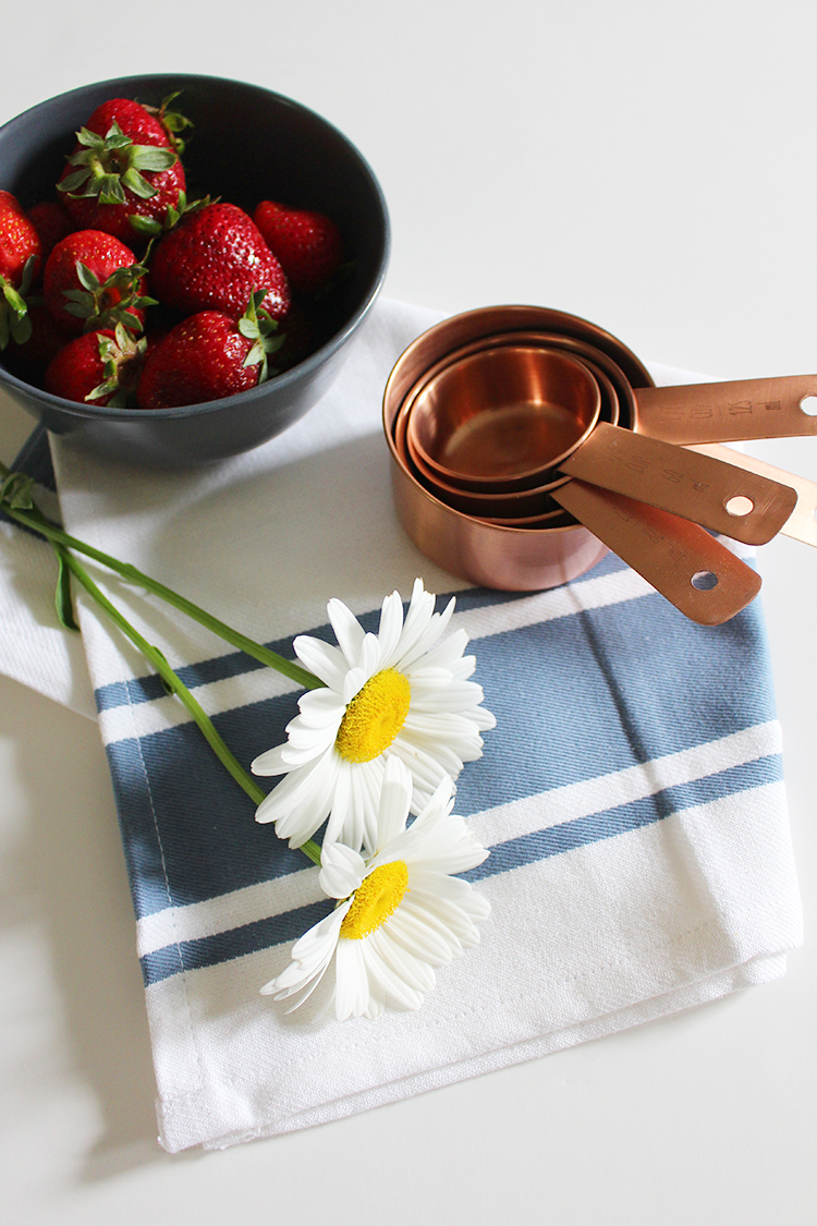 Style Bee - July Finds - Country Kitchen