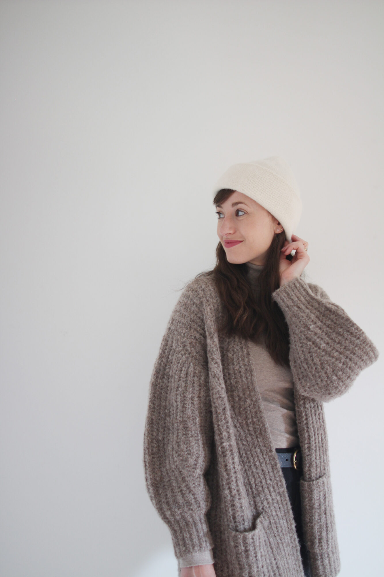Style Bee - Cozy Classics with Bare Knitwear