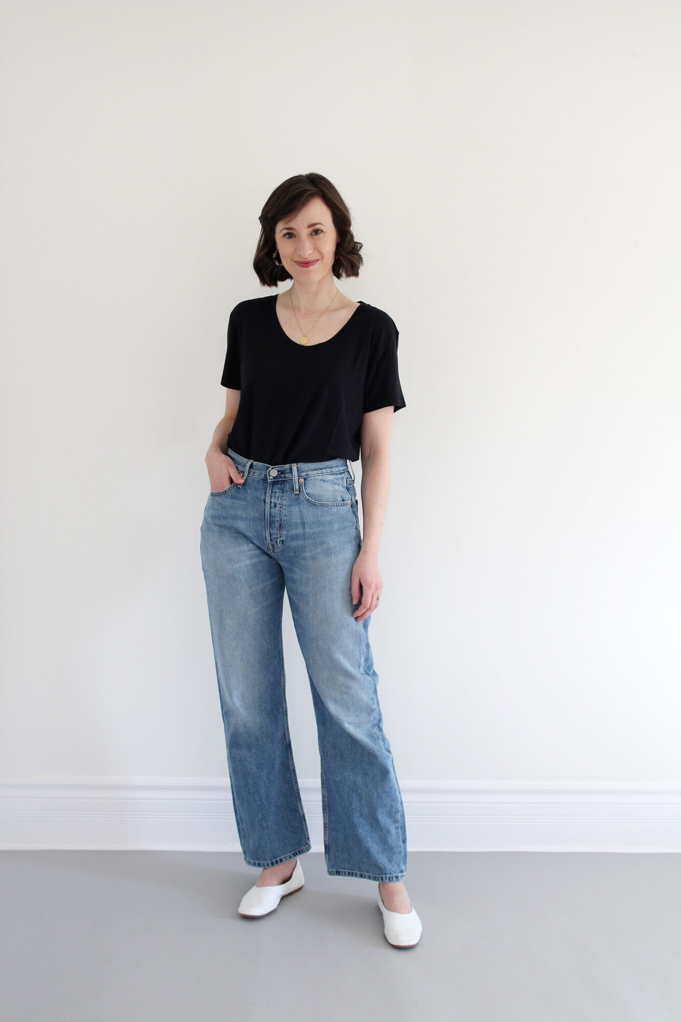 Style Bee - A T-Shirt & Jeans