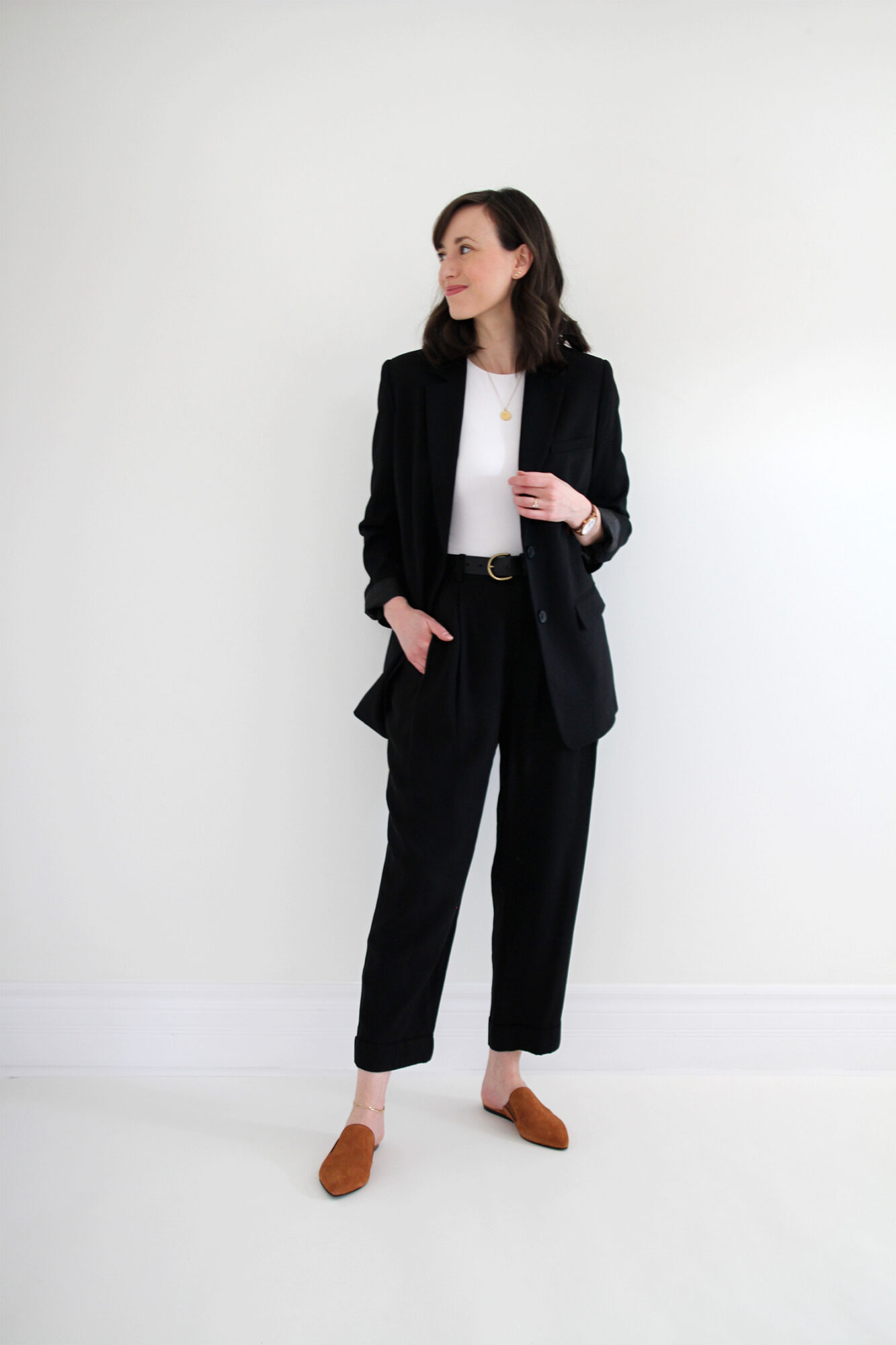 Style Bee - Suited Up