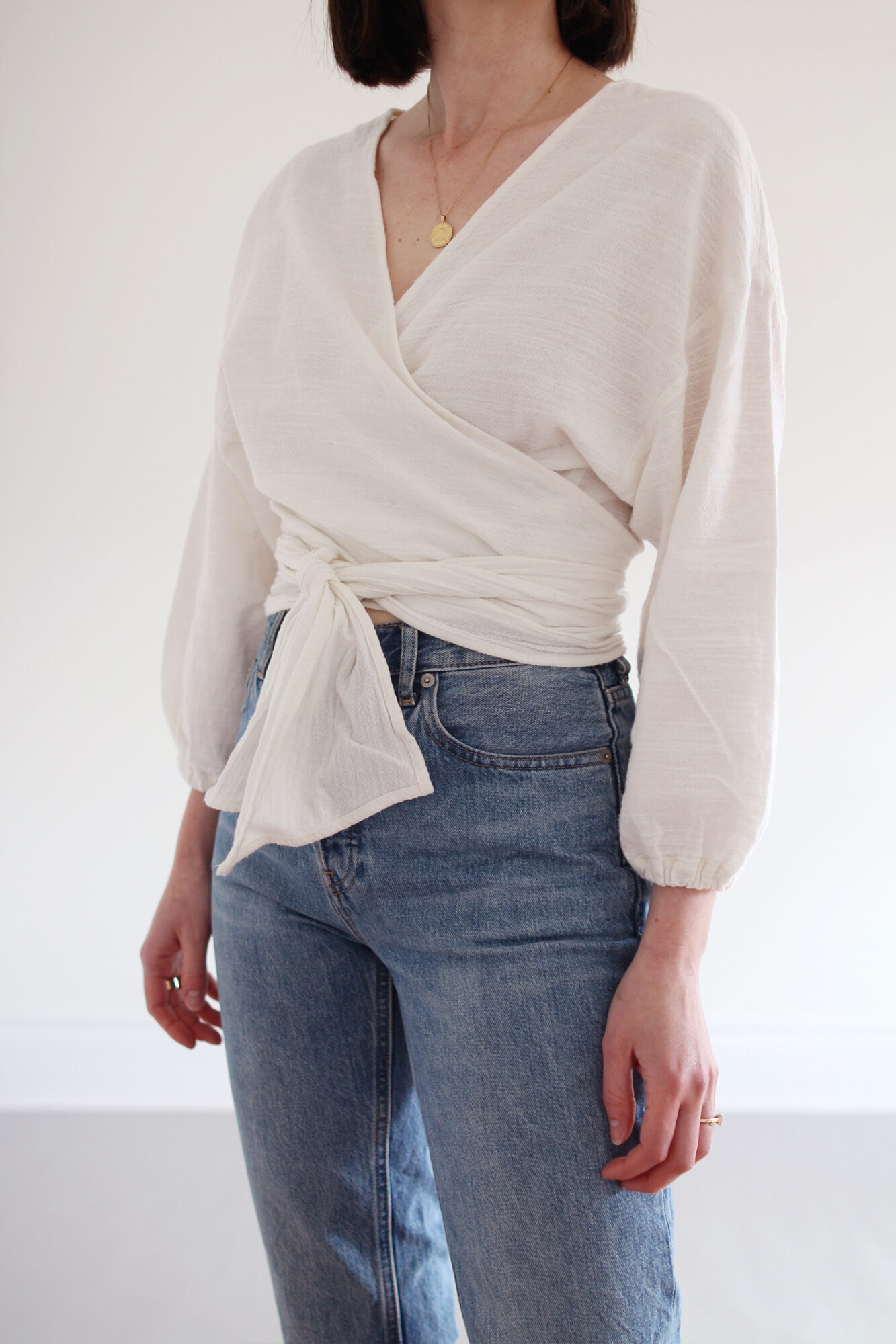 Style Bee - Puffy Sleeves and Blue Jeans