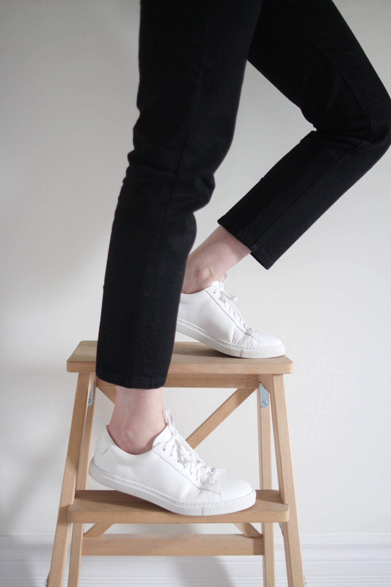 Style Bee - Oliver Cabell - Low 1 White Sneaker Review