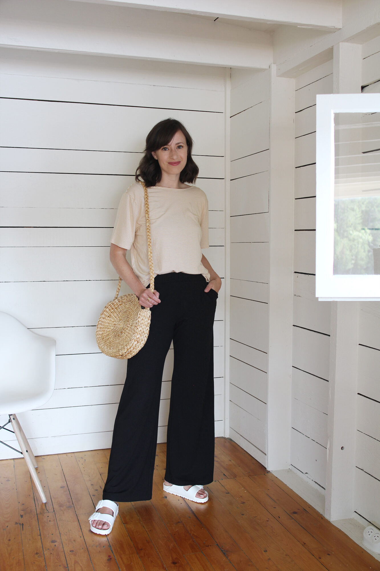 Style Bee - 12 Timeless Summer Outfits To Wear Year After Year