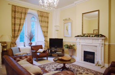 victoria-lodge-living-room-ft