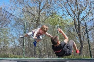 kids-trampolining