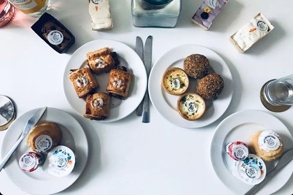 piglets-pantry-afternoon-tea-for-four