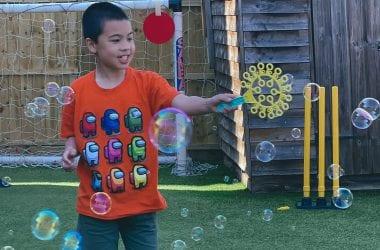 m-bubbles-in-garden