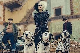 Emma Stone es una villana de Disney en el póster de Cruella - La Tercera