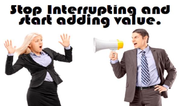 Lựa chọn có nên ngừng Interruption Marketing hay không.