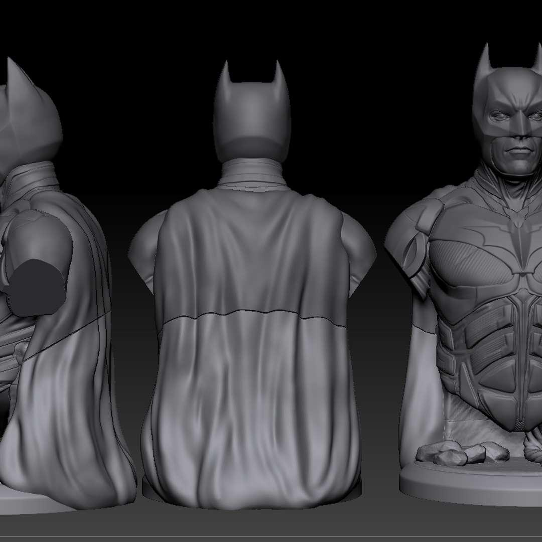 Batman Dark Knight rise - Bust Batman Dark Knights. 15 cm. 1:12 - Los mejores archivos para impresión 3D del mundo. Modelos Stl divididos en partes para facilitar la impresión 3D. Todo tipo de personajes, decoración, cosplay, prótesis, piezas. Calidad en impresión 3D. Modelos 3D asequibles. Bajo costo. Compras colectivas de archivos 3D.