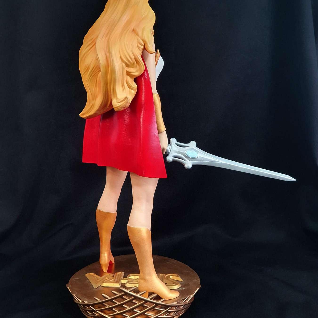 She-Ra  - She-ra escala 1/6 Altura aproximada de 35cm Modelo cortado para impressão em partes. Modelos de teste feito em impressora de resina. Caso precise de ajudar para imprimir em fdm, favor entrar em contato.  - Os melhores arquivos para impressão 3D do mundo. Modelos stl divididos em partes para facilitar a impressão 3D. Todos os tipos de personagens, decoração, cosplay, próteses, peças. Qualidade na impressão 3D. Modelos 3D com preço acessível. Baixo custo. Compras coletivas de arquivos 3D.