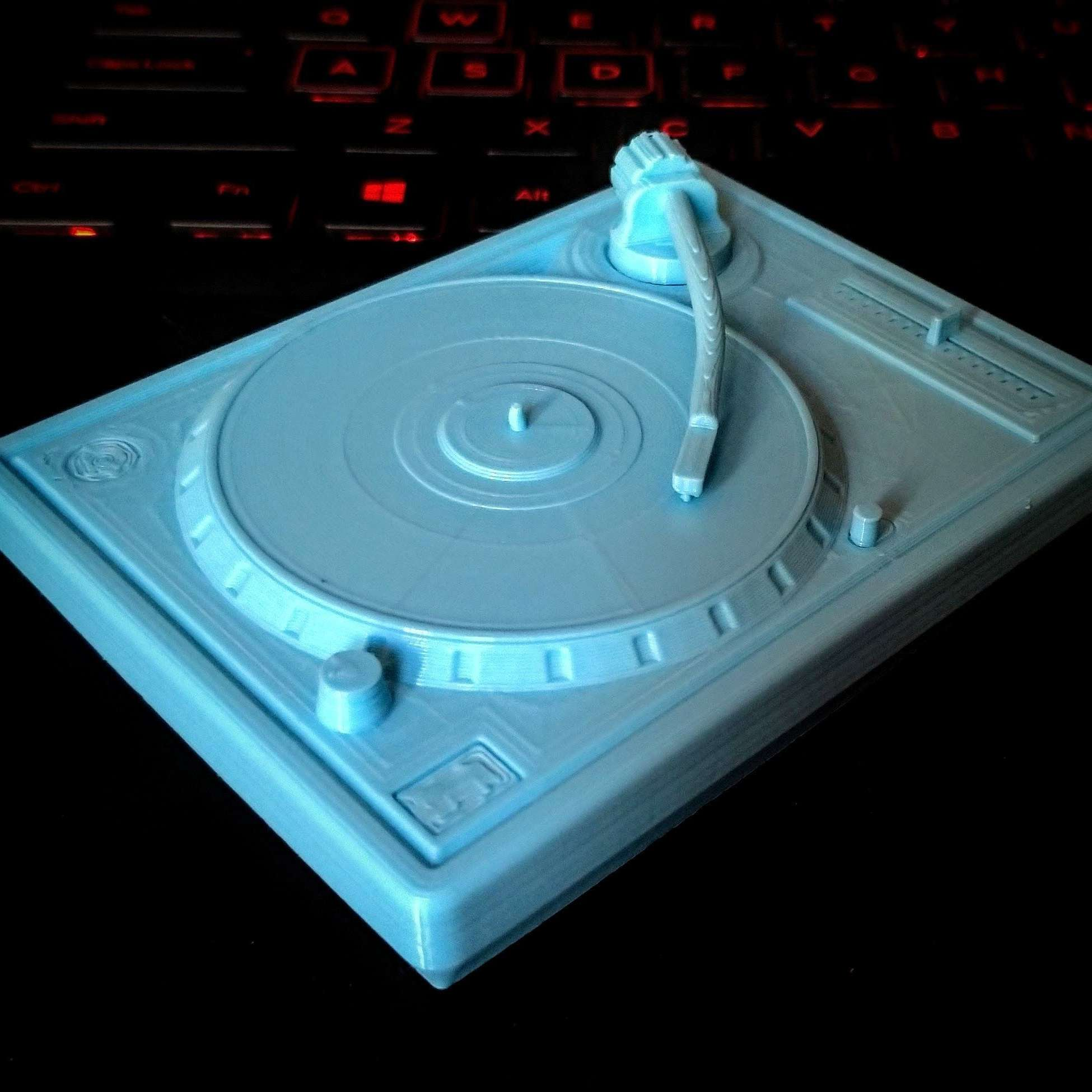 Turntable Vinyl Record Player Low-poly 3D print model - Based on a Audio Technica, model made for 3d print. All modeled as one solid, but also got the file with separated arm. Done with Solidworks 2018 - The best files for 3D printing in the world. Stl models divided into parts to facilitate 3D printing. All kinds of characters, decoration, cosplay, prosthetics, pieces. Quality in 3D printing. Affordable 3D models. Low cost. Collective purchases of 3D files.