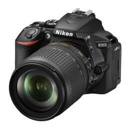 NIKON D5600 + AF-S DX 18-105mm VR
