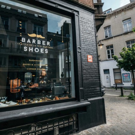 Un concept unique alliant un barber shop et une boutique de chaussures