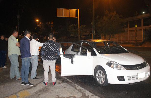 Incendian coche de Uber por negar servicio en León