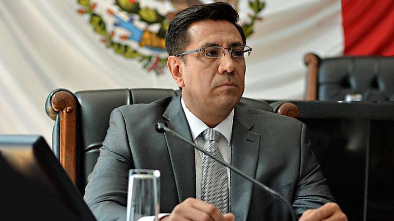 Promueve Rogelio Loya amparo contra acción penal