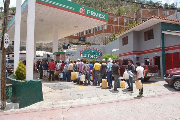 Incrementa PEMEX volumen de gasolina para abastecer a la ciudad
