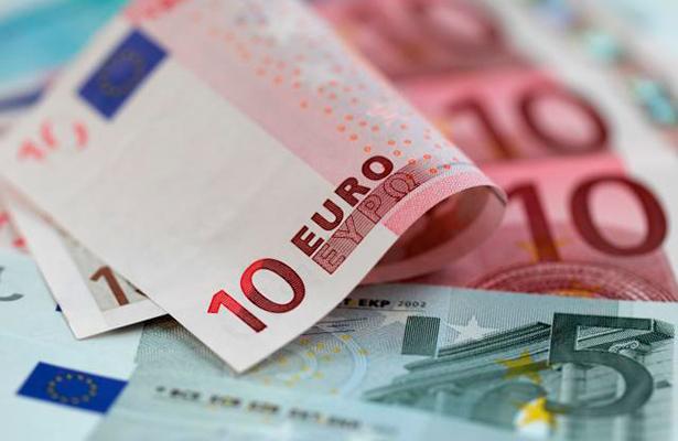 Suben el euro y la libra frente al dólar por debilitamiento de temor al Brexit
