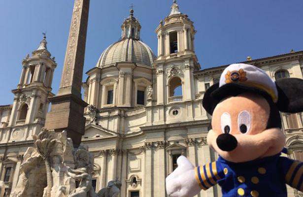 Mickey Mouse festejará sus 88 años con vuelta al mundo