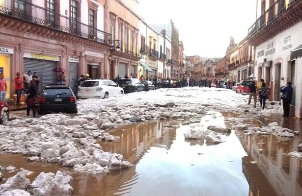 Granizada azota Zacatecas; daños en negocios y autos