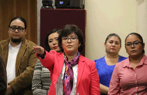 La coordinadora general de Comunicación Social del Gobierno del Estado, durante su comparecencia ante el Congreso del Estado. Foto: Diario de Xalapa