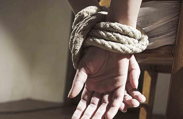Tras secuestro, CEAV atiende a hija de general de la Sedena