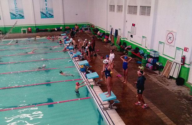 Nadadores de Fresnillo en lo alto de pódium