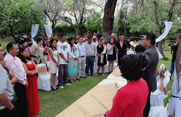 Realizan boda colectiva en municipio de Loreto
