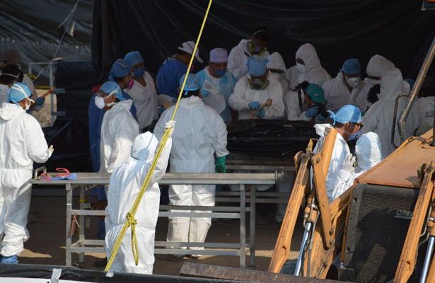 Exhumados 45 cuerpos no identificados en Tetelcingo
