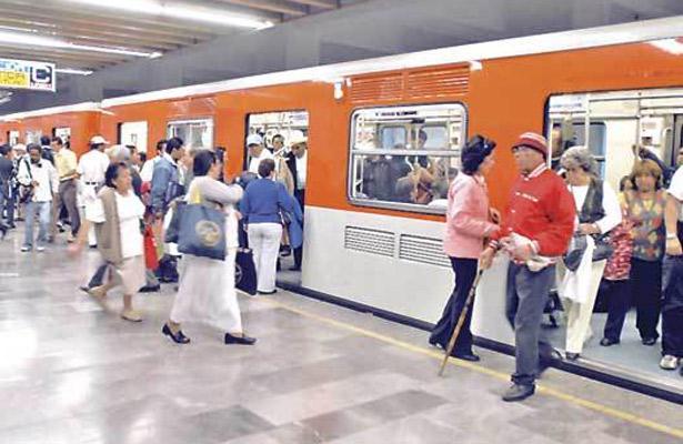 Detenidos en el metro y con los celulares robados