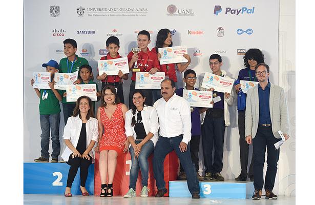 SCT premia a niñas y niños ganadores de la Segunda Feria Nacional de Robótica