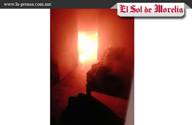 Se quema vivienda en Michoacán
