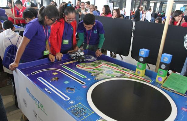 Irán a Silicon Valley niños premiados en Robotix Faire 2016