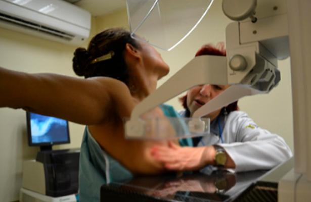 En Puebla, 85% de casos de cáncer de mama se debe a estilo de vida