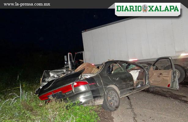Mueren cuatro en accidente carretero