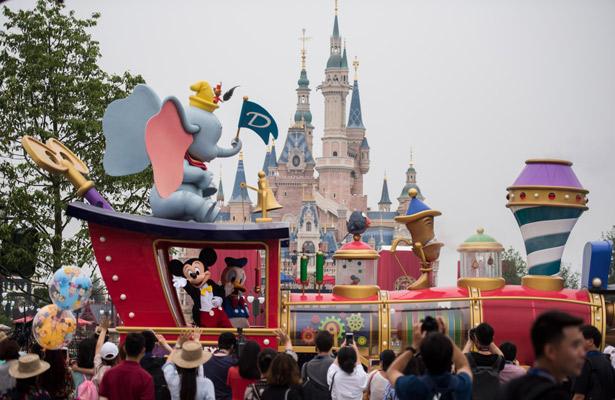 Ayuda Disney a afectados de Orlando con donación millonaria