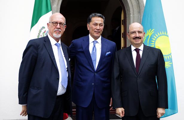 República de Kazajstán inaugura su embajada en México