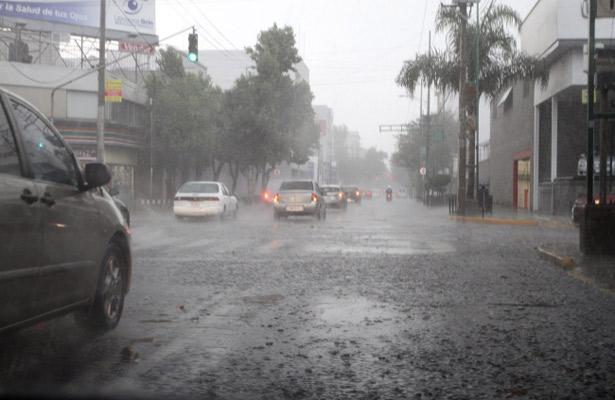 Prevén clima nublado y lluvia en el valle de México