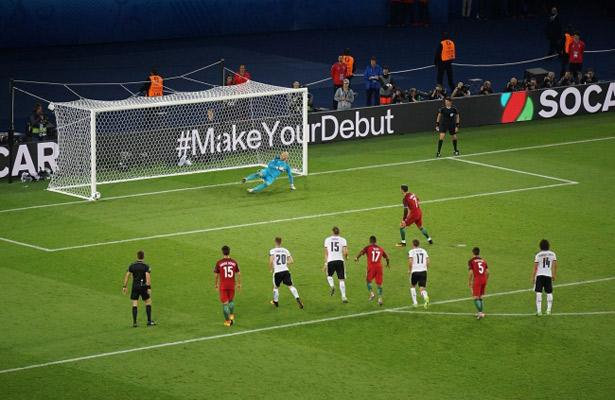 Ronaldo falla penal y empatan con Austria a 0