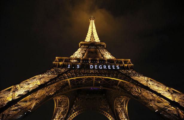 Torre Eiffel cerrada por nueva jornada de movilización en Francia