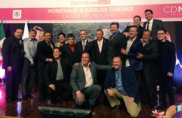 Carlos Cuevas agradece a Manzanero por llevar el bolero a los jóvenes