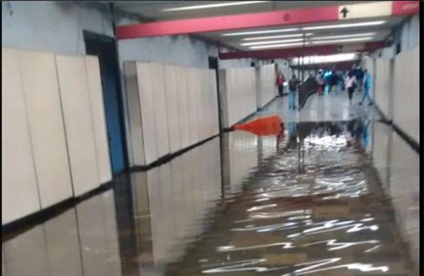 Inundado el metro Pantitlán cada que llueve