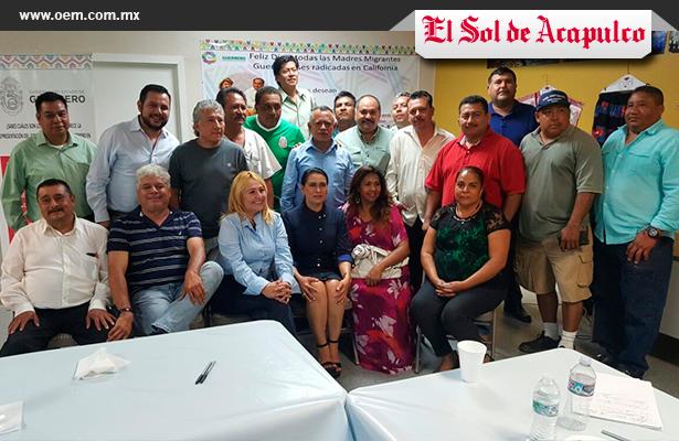 Visita SEMAI a migrantes de Guerrero en California