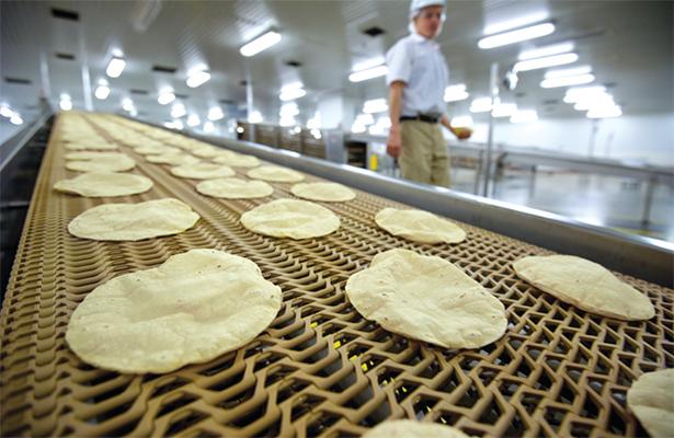 Bajar a 10 pesos kilo de tortilla a través de convenios entre industriales y productores es viable: CNPAMM