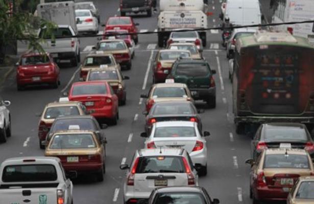 Médico advierte en BC por contaminación causada por vehículos