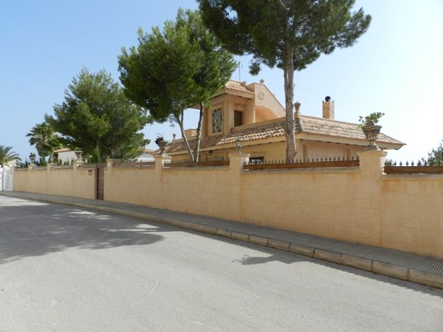 Luxury Villa in Altea, URBANIZACION JARDINES DE ALHAMA, for sale
