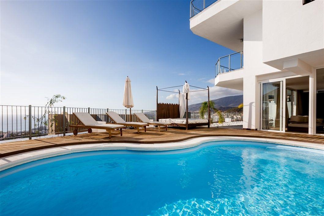 Luxury Villa in San Eugenio Alto, (Exclusive), for sale
